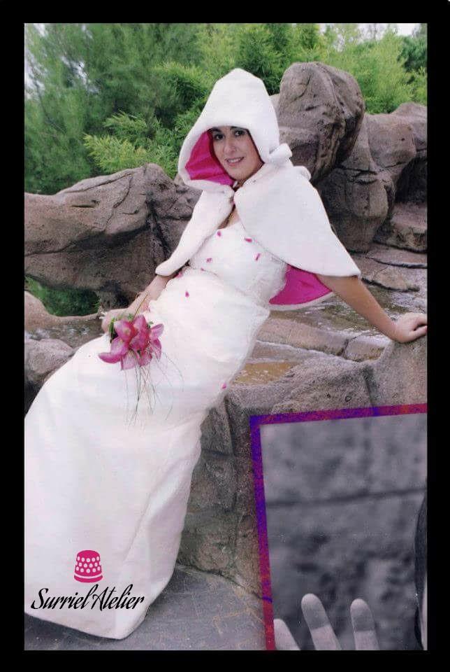 Vestidos de novia Barcelona: vestido con capucha
